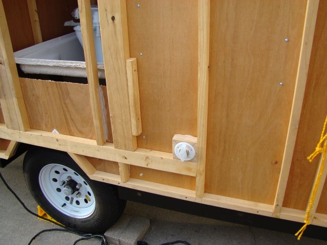 7 Way Trailer Connector Heavy Duty Professional Series 8547811 likewise Trailer further Viewtopic further Progressive Dynamics 4045 Dc Wiring 64037 as well Corroded Wiring Harness For Trailer Hitch On Wj 25268. on 7 pin trailer wire pulled out